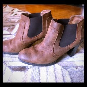 B.O.C. By Born - Leather heeled booties, 11